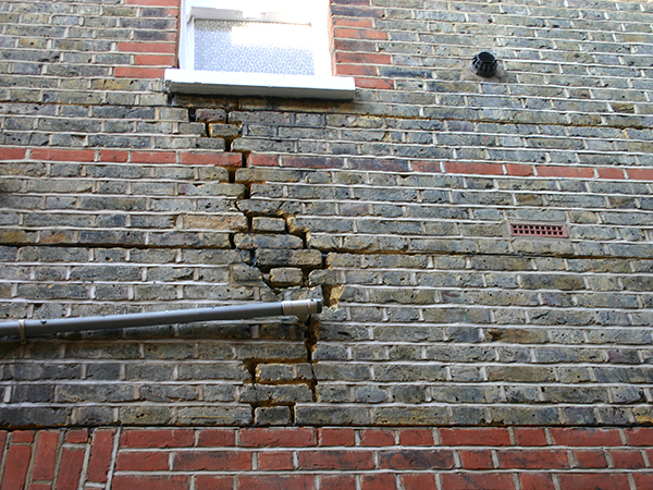 Services – masonry beams to reinforce damaged walls